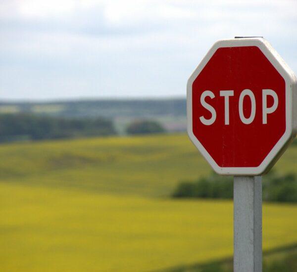 panneau interdiction stationner